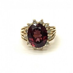 Кольцо с бриллиантами и гранатом